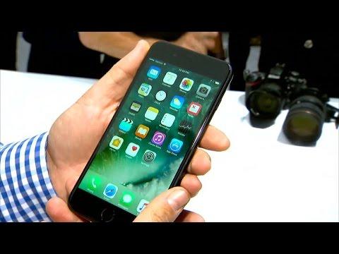 iPhone7/iPhone7 Plus、ジェットブラック/ブラックの質感が分かる画像18枚。ジェットブラックは指紋あとが目立つ
