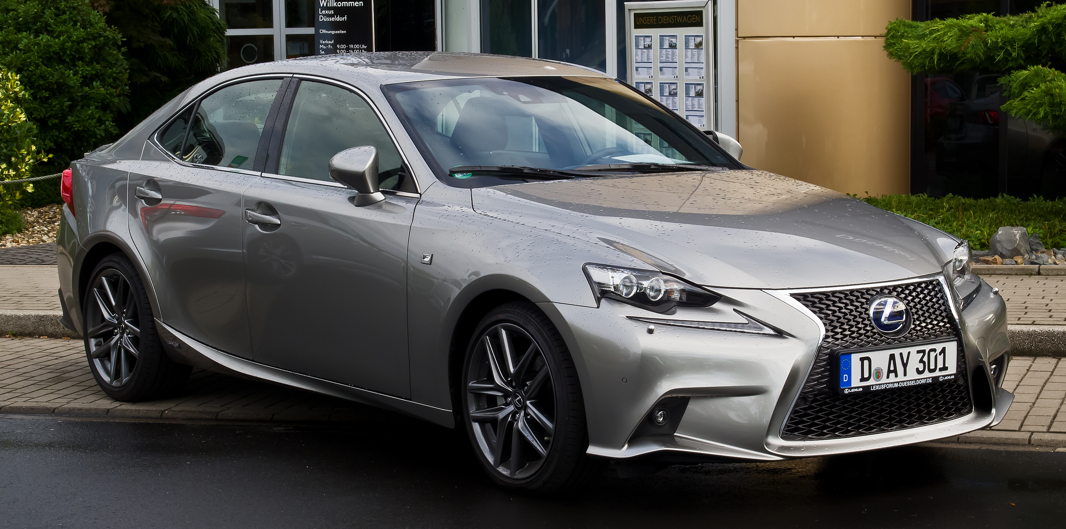 lexus_is_300h