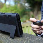 Nintendo Switchの弱点「バッテリー」「立てかけ角度」をカバーするケース『SwitchCharge』が登場。ゼルダ10時間連続プレイ可